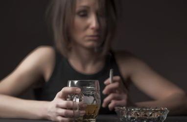世界仰天ニュース,アルコール依存症,治療,病院,家族,末期,ドーパミン