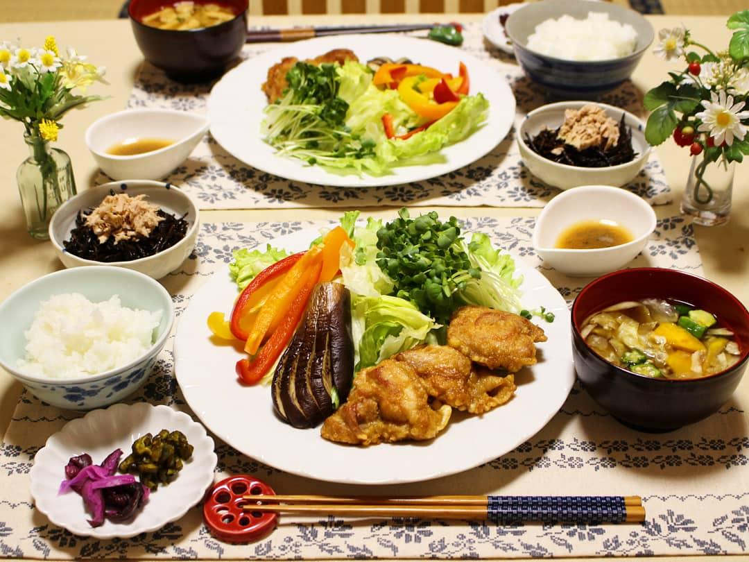理想的な食卓,美味しいからあげ,おうちご飯,お野菜たっぷり,栄養
