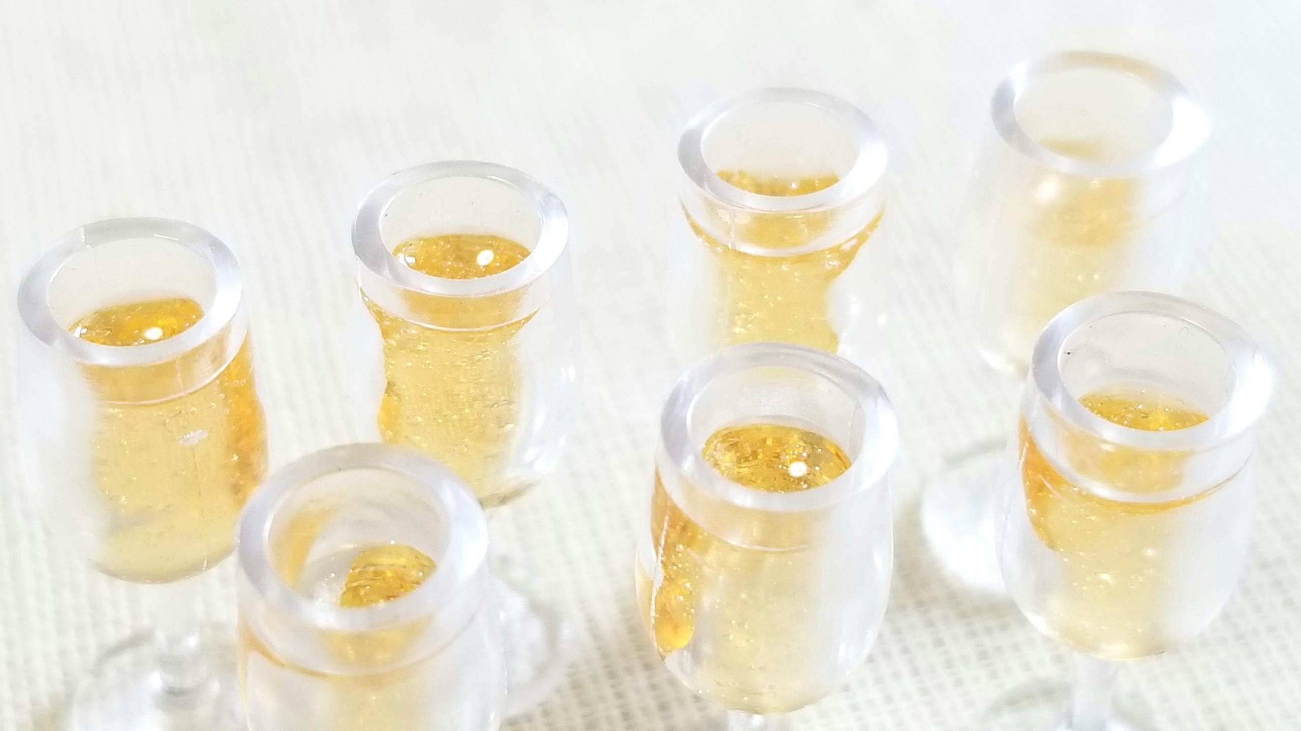 おすすめおもちゃシャンパン白金色ワイン高級飲みやすいのどごし抜群