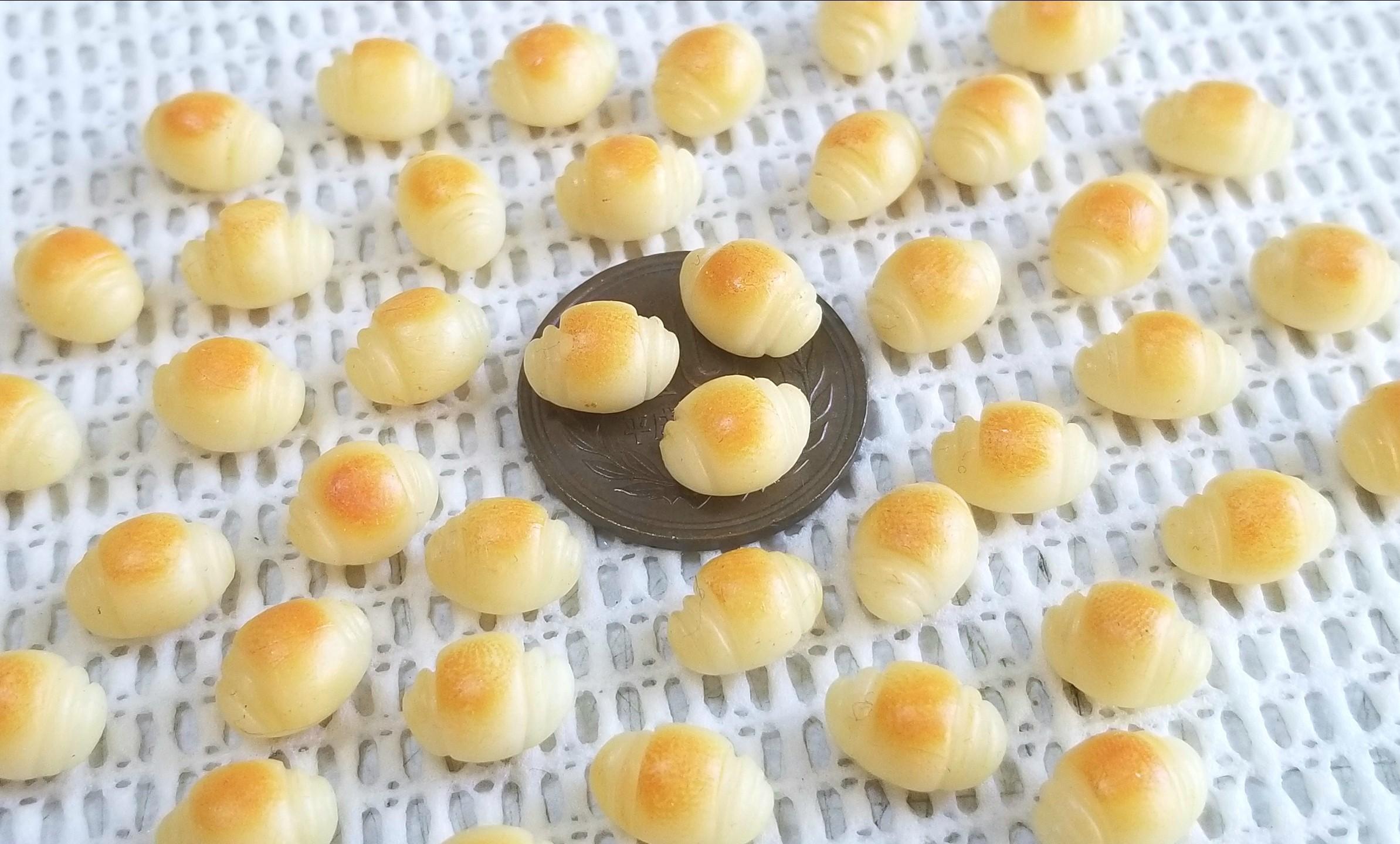 ミニチュアフード,バターロール,パン,樹脂粘土,シルバニア,オビツ11
