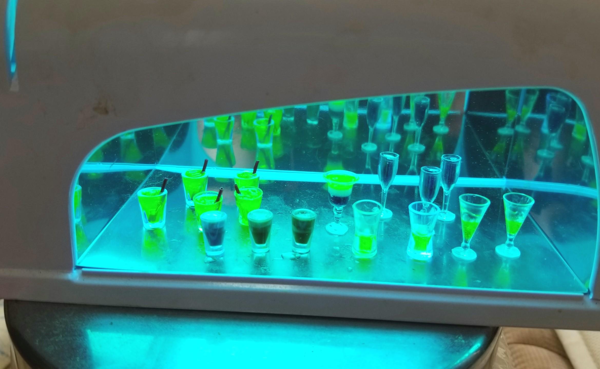 ミニチュアフード,UVレジン,照射器,ジュース,ドリンク,飲み物,作り方
