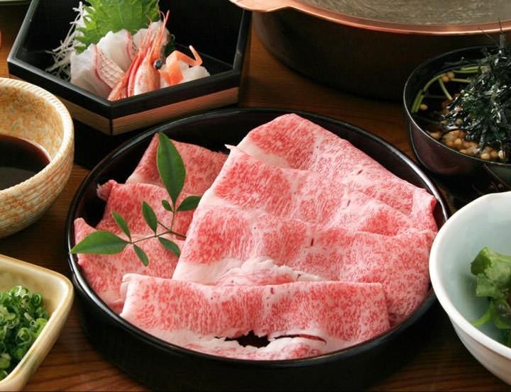 おいしい高級黒毛和牛のすき焼き,関西風,食べたいお肉,よもぎブログ
