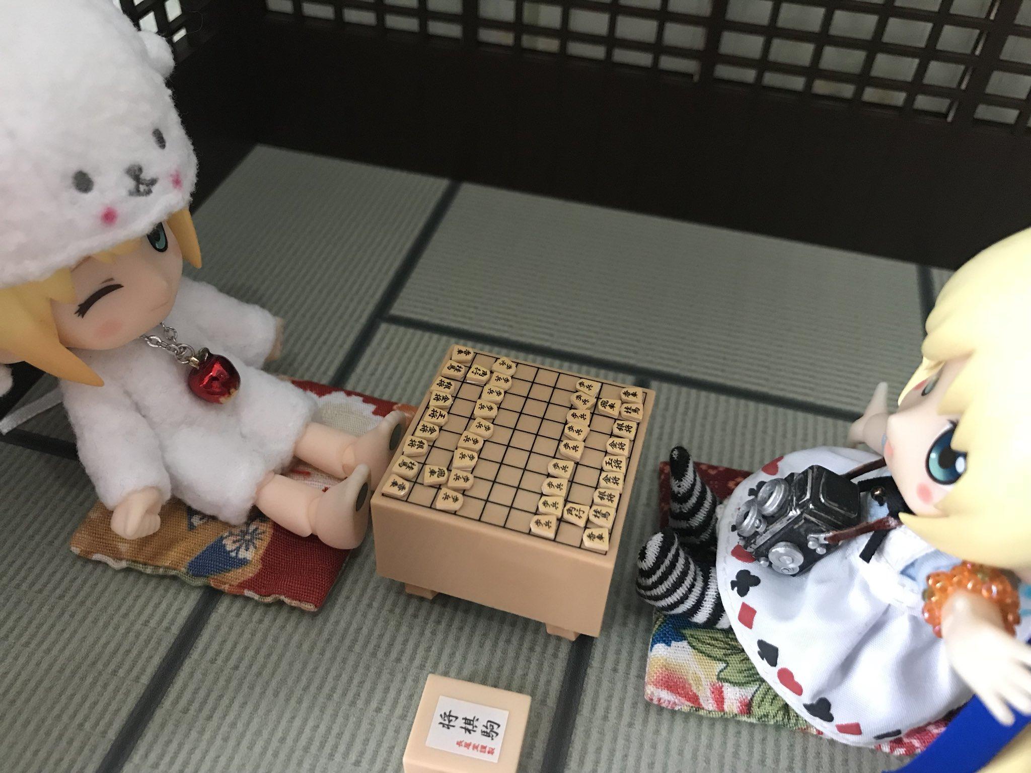 キューポッシュ,将棋をする可愛い子達,子供も出来るミニチュア将棋