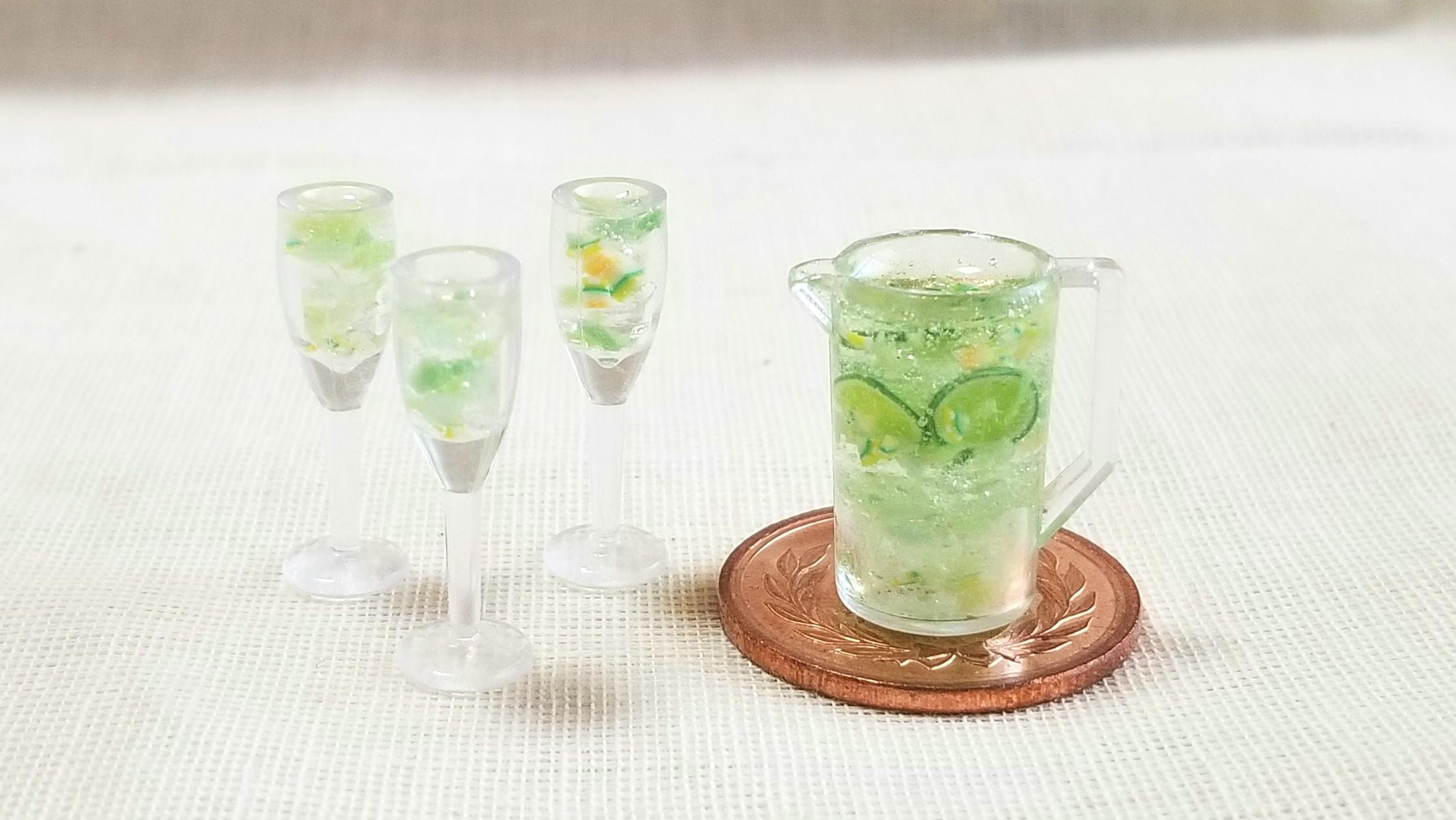 美味しいライムジュース,爽やか,ミニチュア,夏に炭酸飲料,サンプル