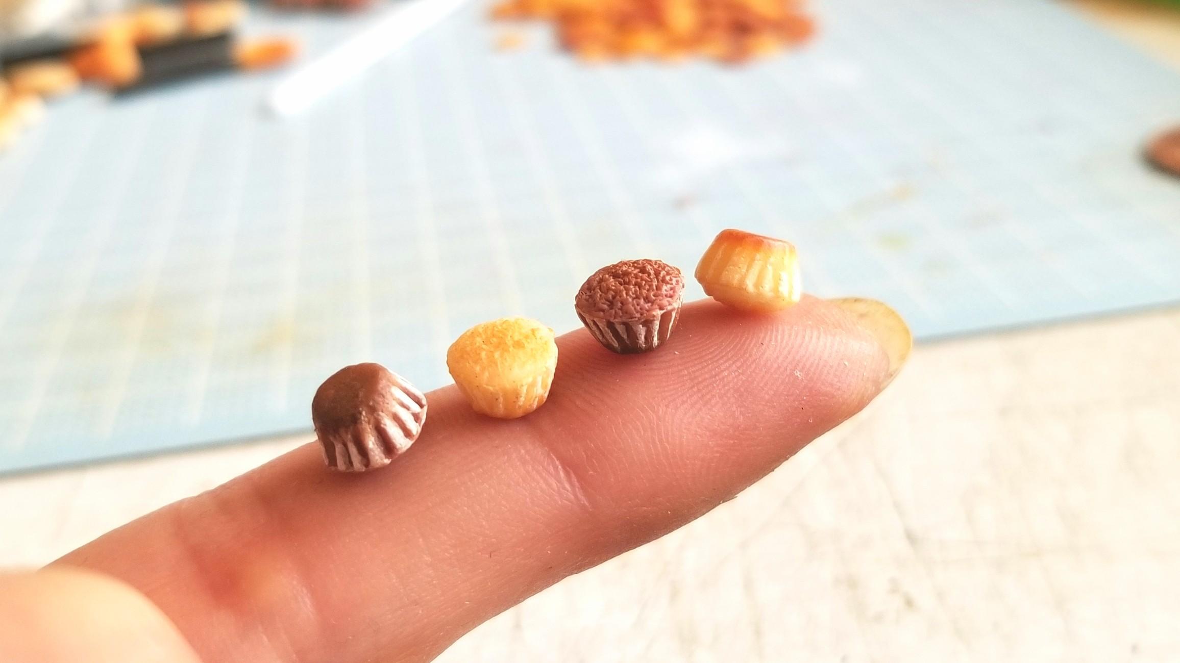 カップケーキ,ミニチュア,樹脂粘土,製作中,試行錯誤,ドール,食玩