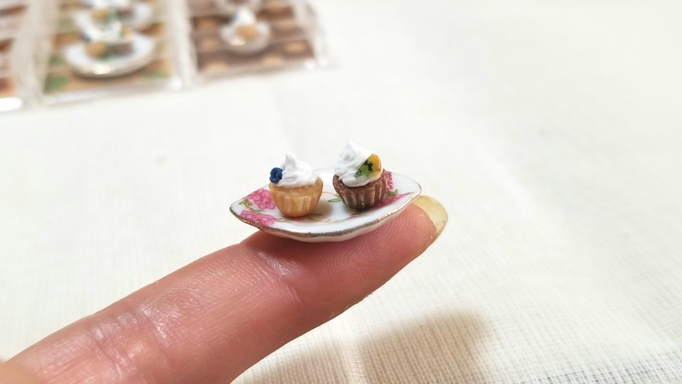 カップケーキ,ミニチュアフード,樹脂粘土,陶器のお皿,ドール,食玩