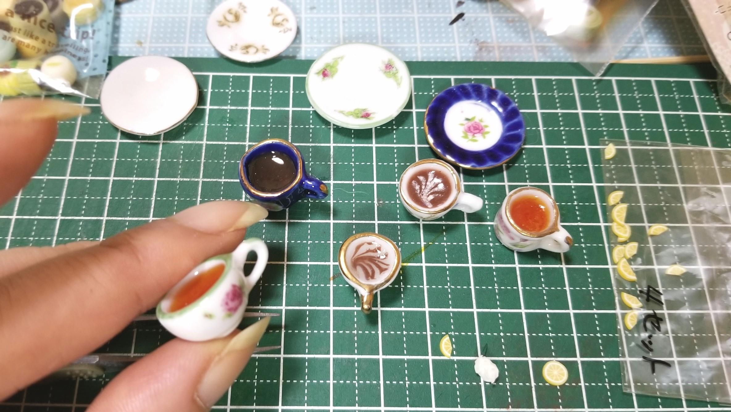 よもぎのミニチュアフード,製作過程,作業風景,飲み物の作り方,レジン
