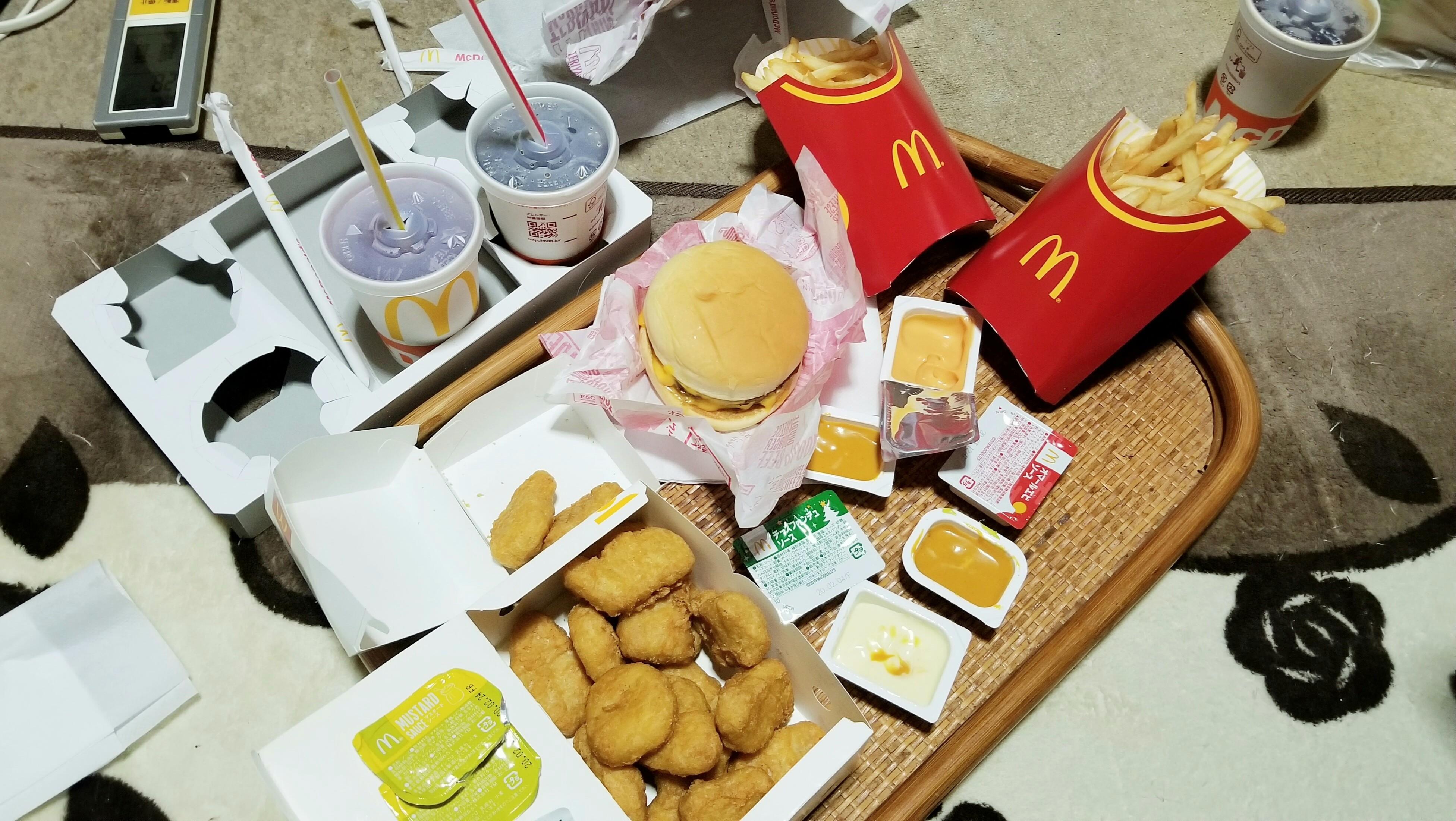 マックセットハンバーガー大好きおいしいうまい!久しぶり好物