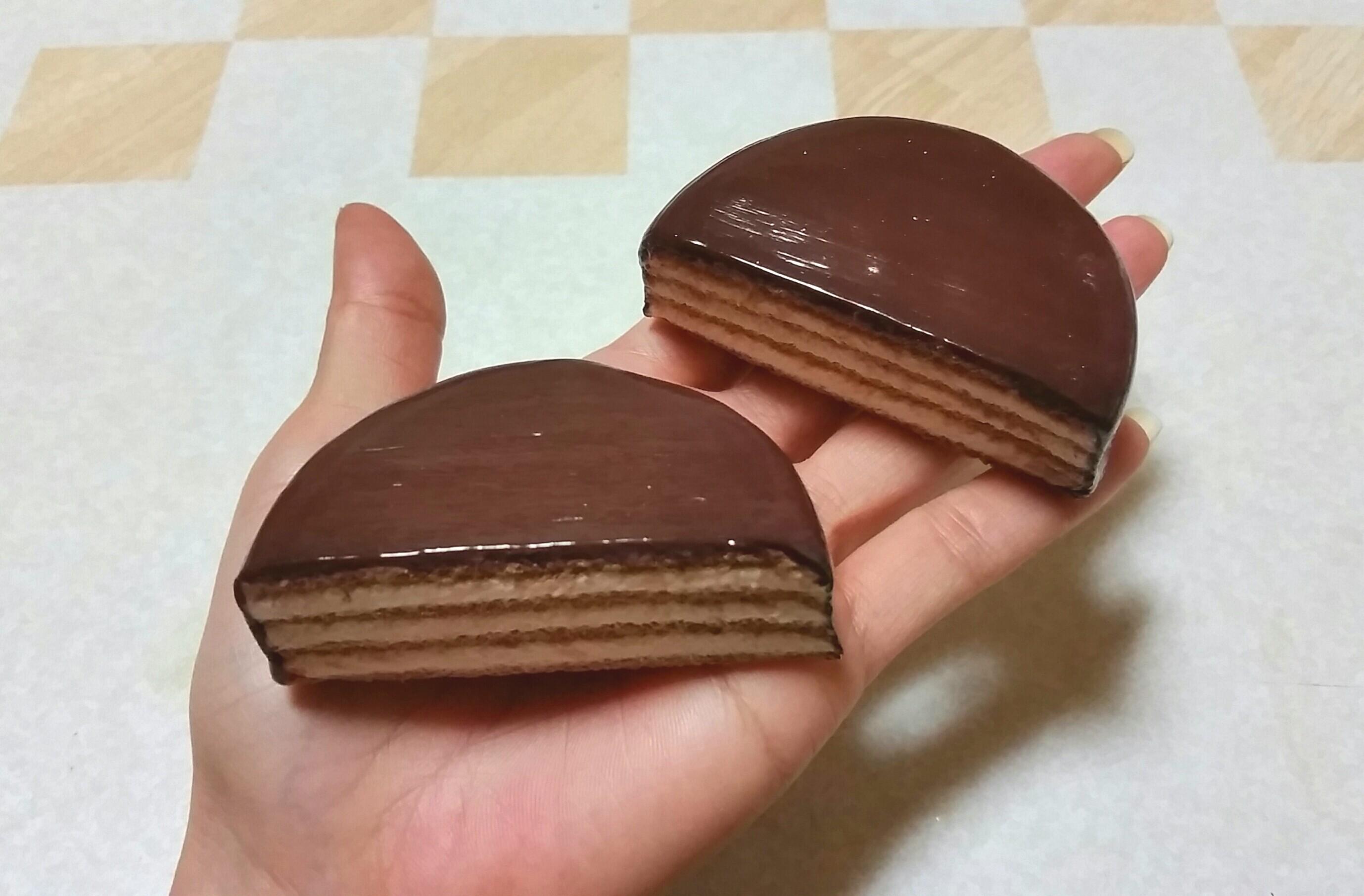 ミニチュアフェイクフード,転売模倣,チョコレートケーキ,紙樹脂粘土