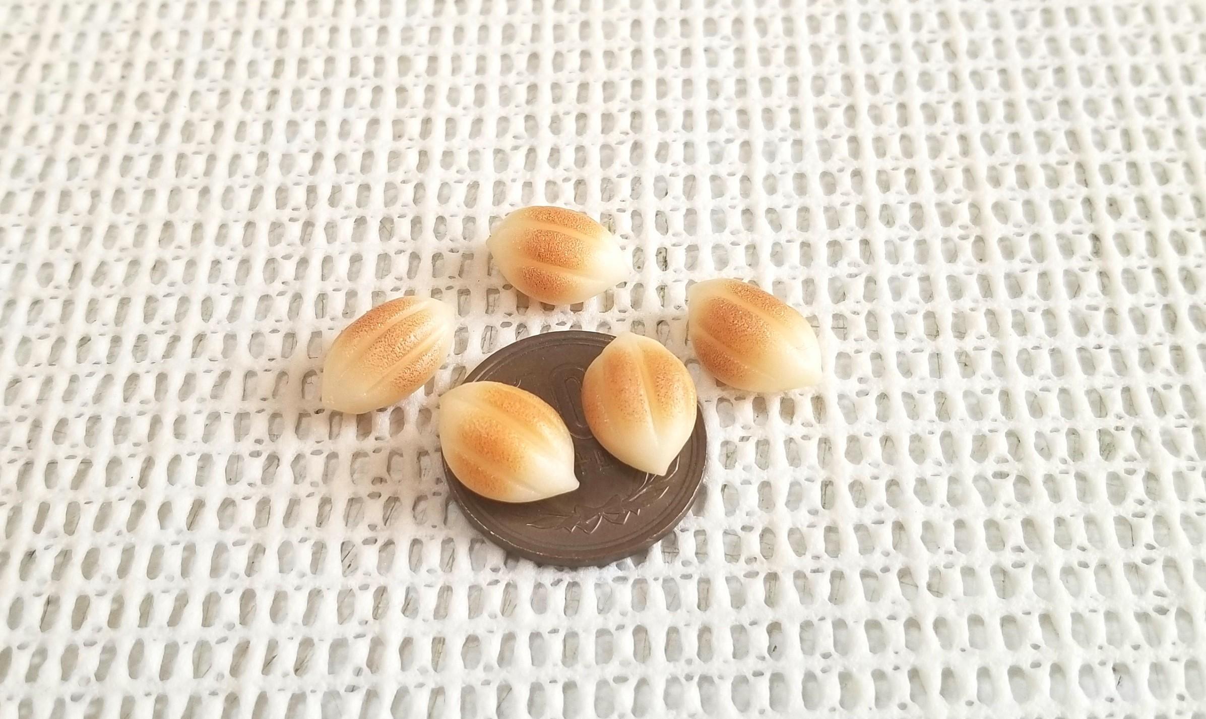 ミニチュアフード,アーモンドパン,樹脂粘土,リカちゃん人形,オビツ