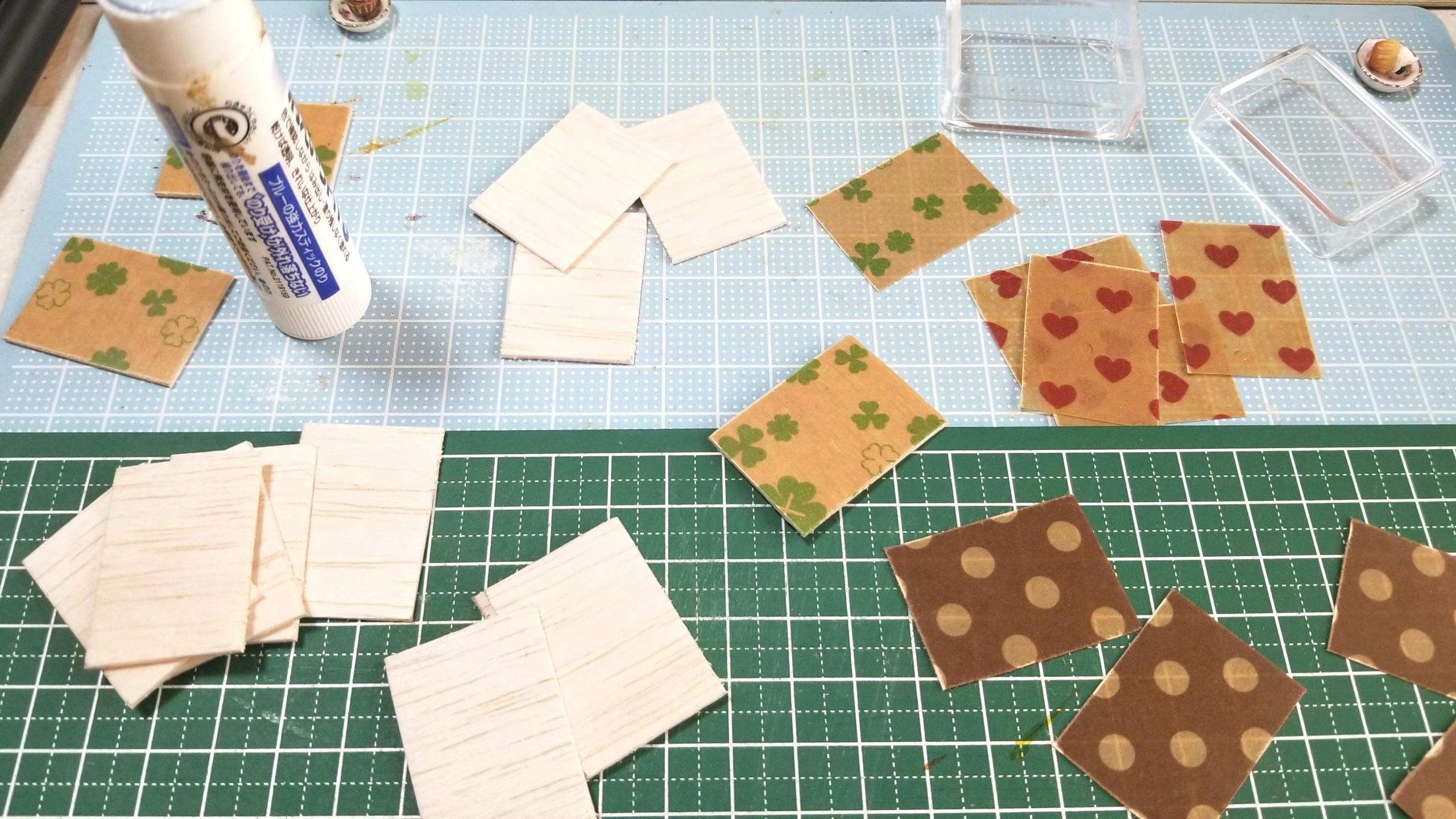 カップケーキ,ミニチュア,土台,台紙,作り方,樹脂粘土,製作風景,食玩