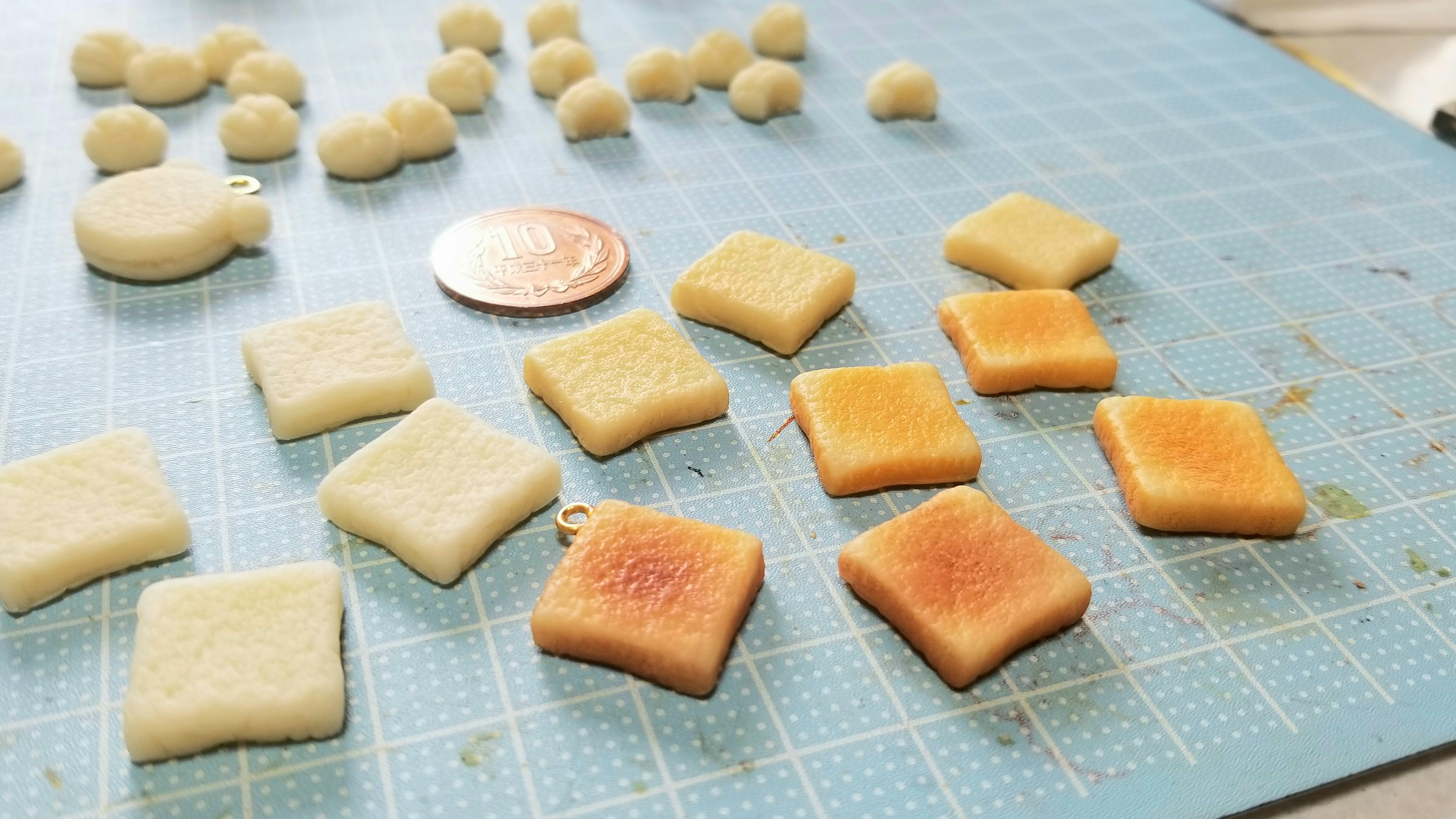 食パントーストこんがり焼きたて美味しい人気商品樹脂粘土アート