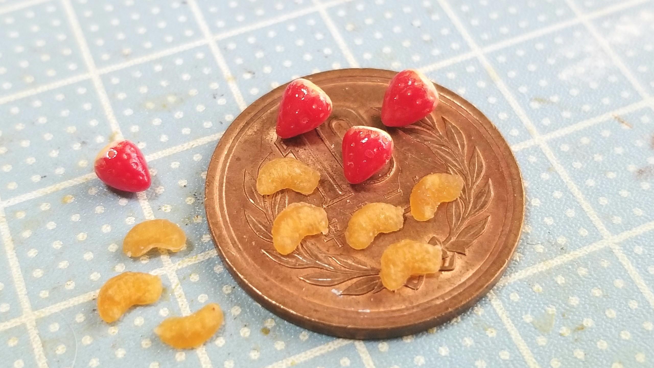 いちご,みかん,ミニチュアフード,樹脂粘土,カップケーキ,トッピング