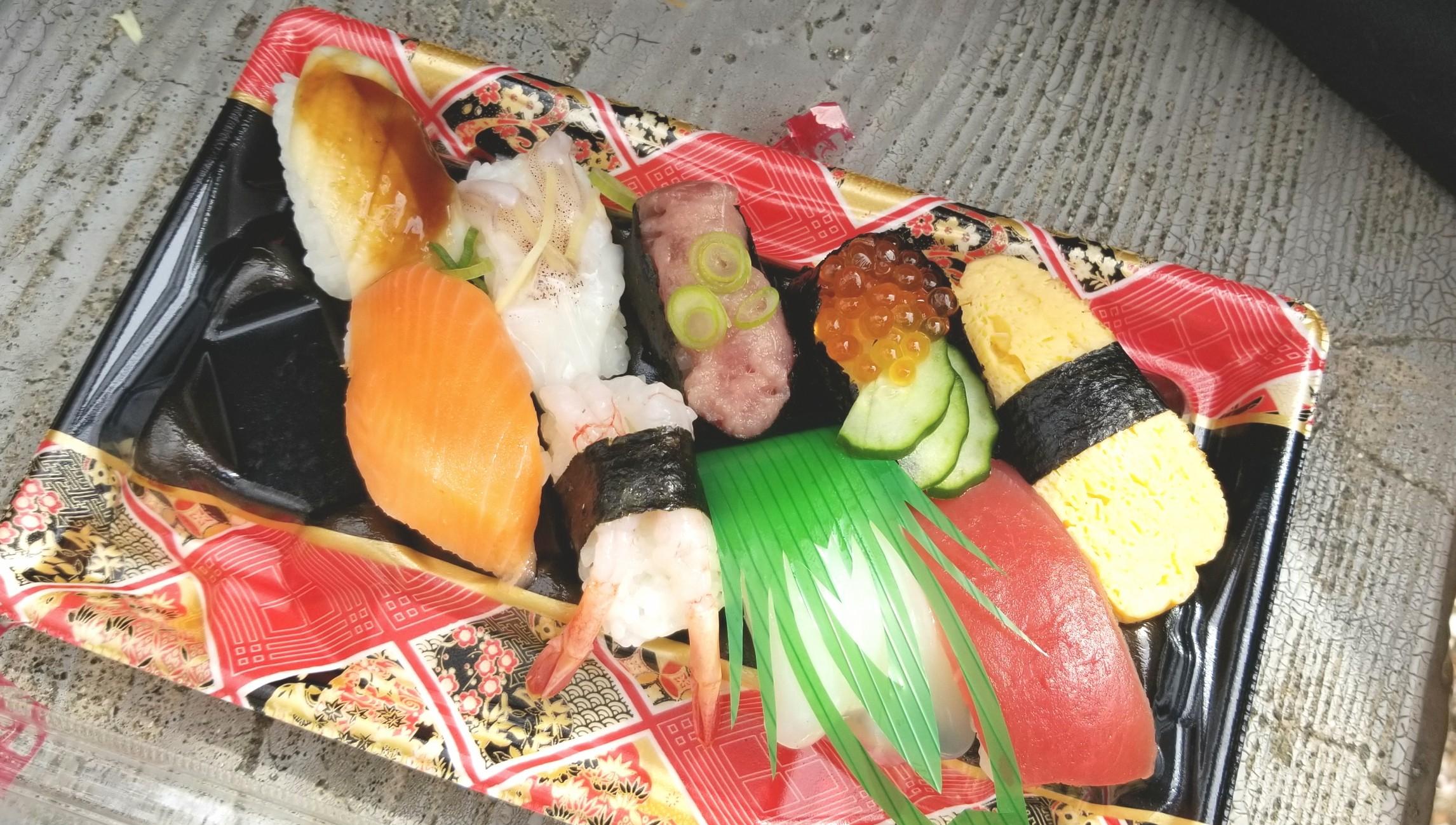 お花見どころ,ランチ持ちより購入弁当寿司,3月下旬,おすすめブログ