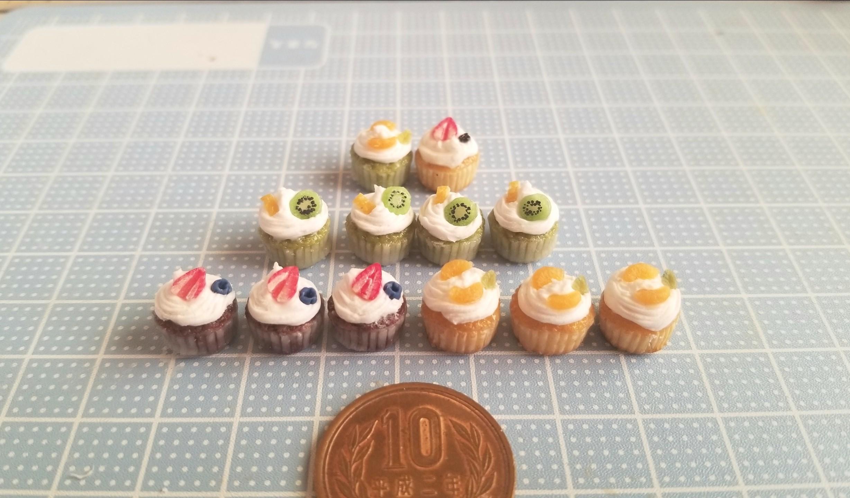 カップケーキ,フルーツ,樹脂粘土,ミニチュア,オビツろいど,ドール