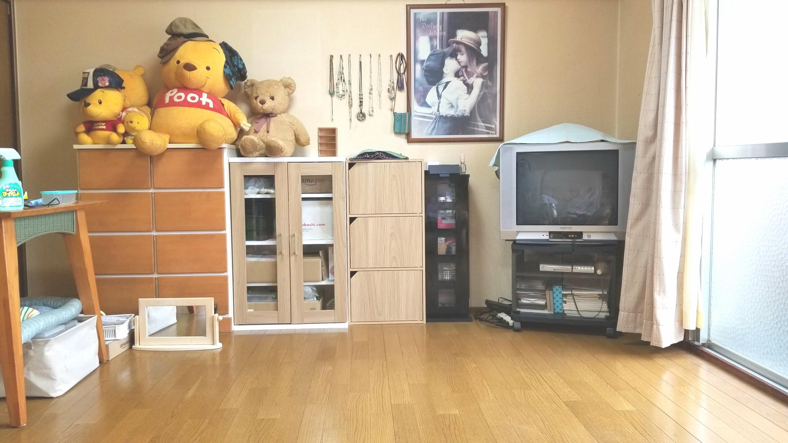 部屋の大掃除,綺麗に片付け,ブラウン管テレビ,ミニチュアフード作家