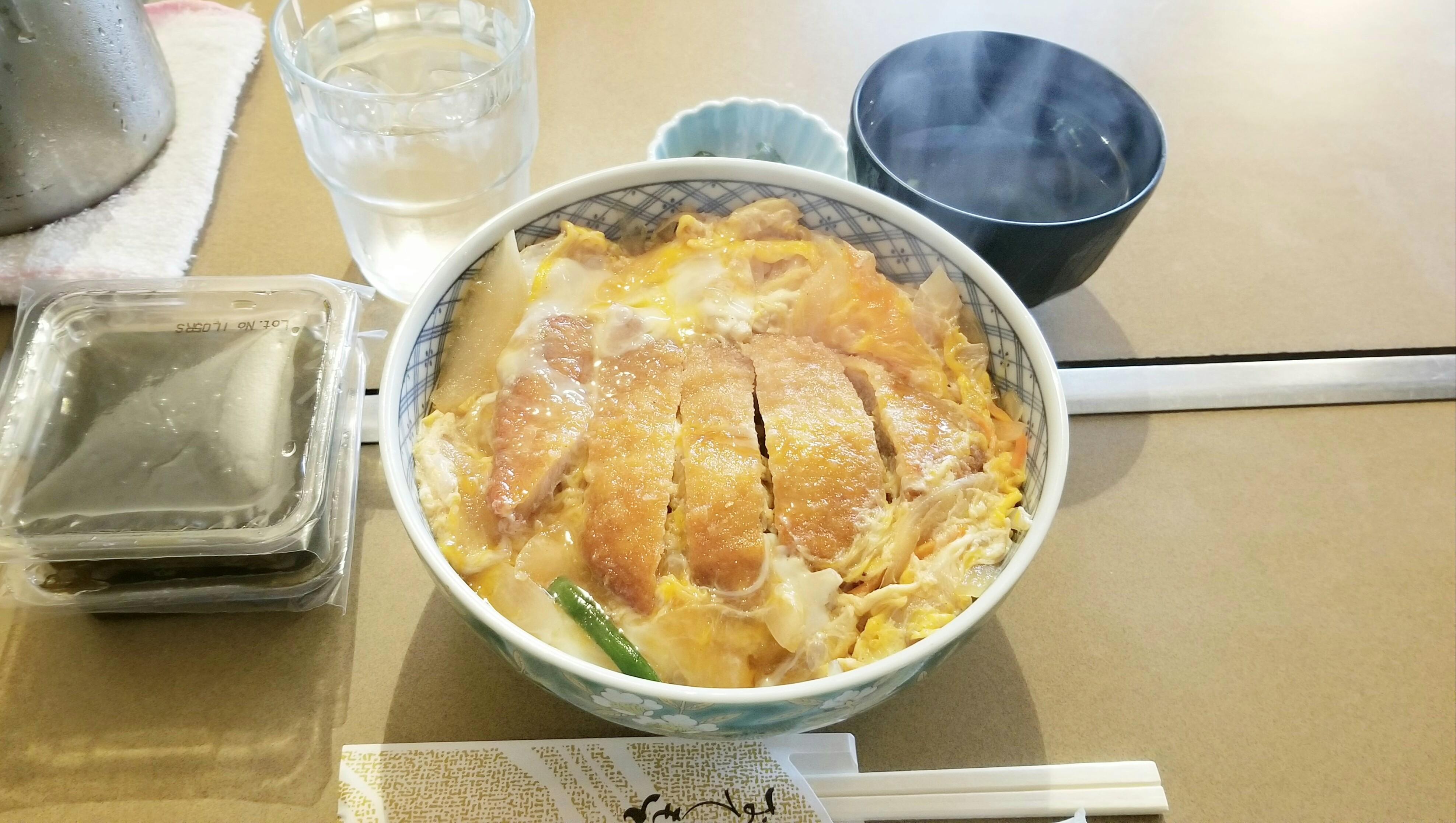 愛媛県松山市四国グルメランチおすすめ人気店飯テロ写真安い