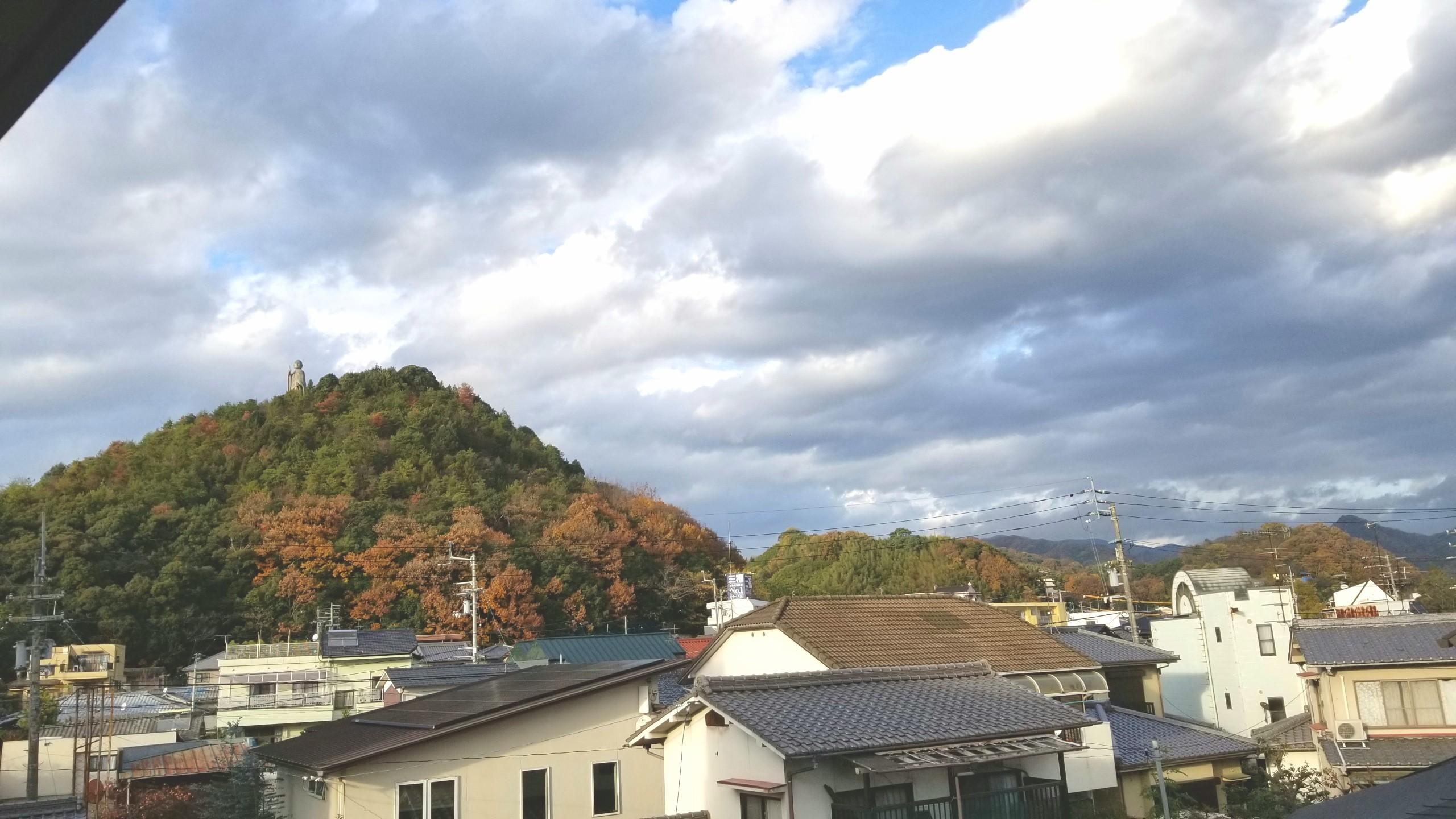 マンションから見た景色,家の近所,いい天気晴れ,山青空,癒される風景