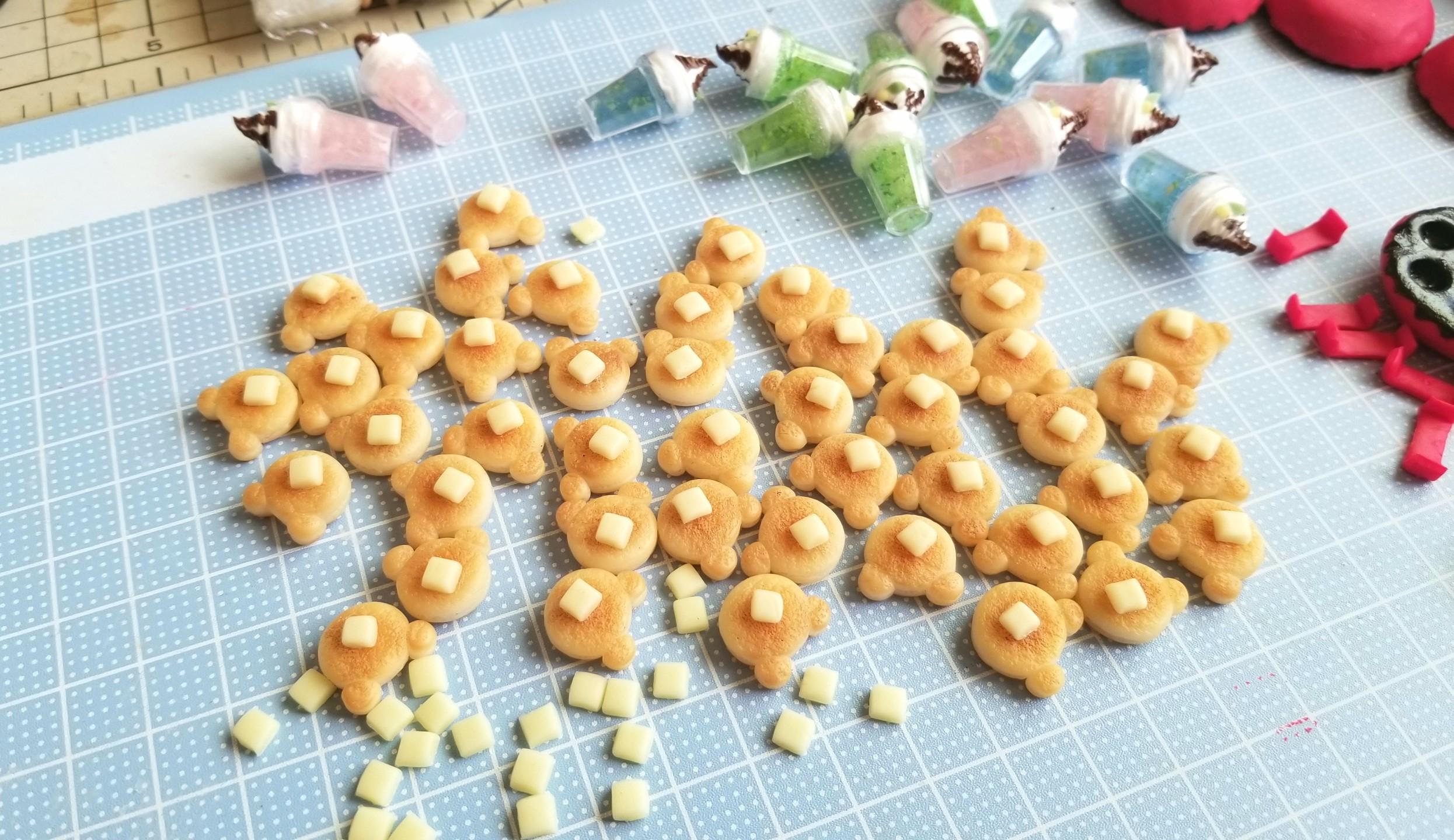 作り方,クマちゃん,ホットケーキ,粘土,ミニチュア,着色,人形,食玩