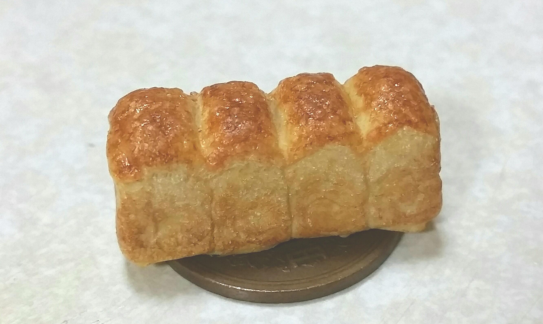 食パン,ミニチュアフード.樹脂粘土,美味しそう,可愛い,焼きたて