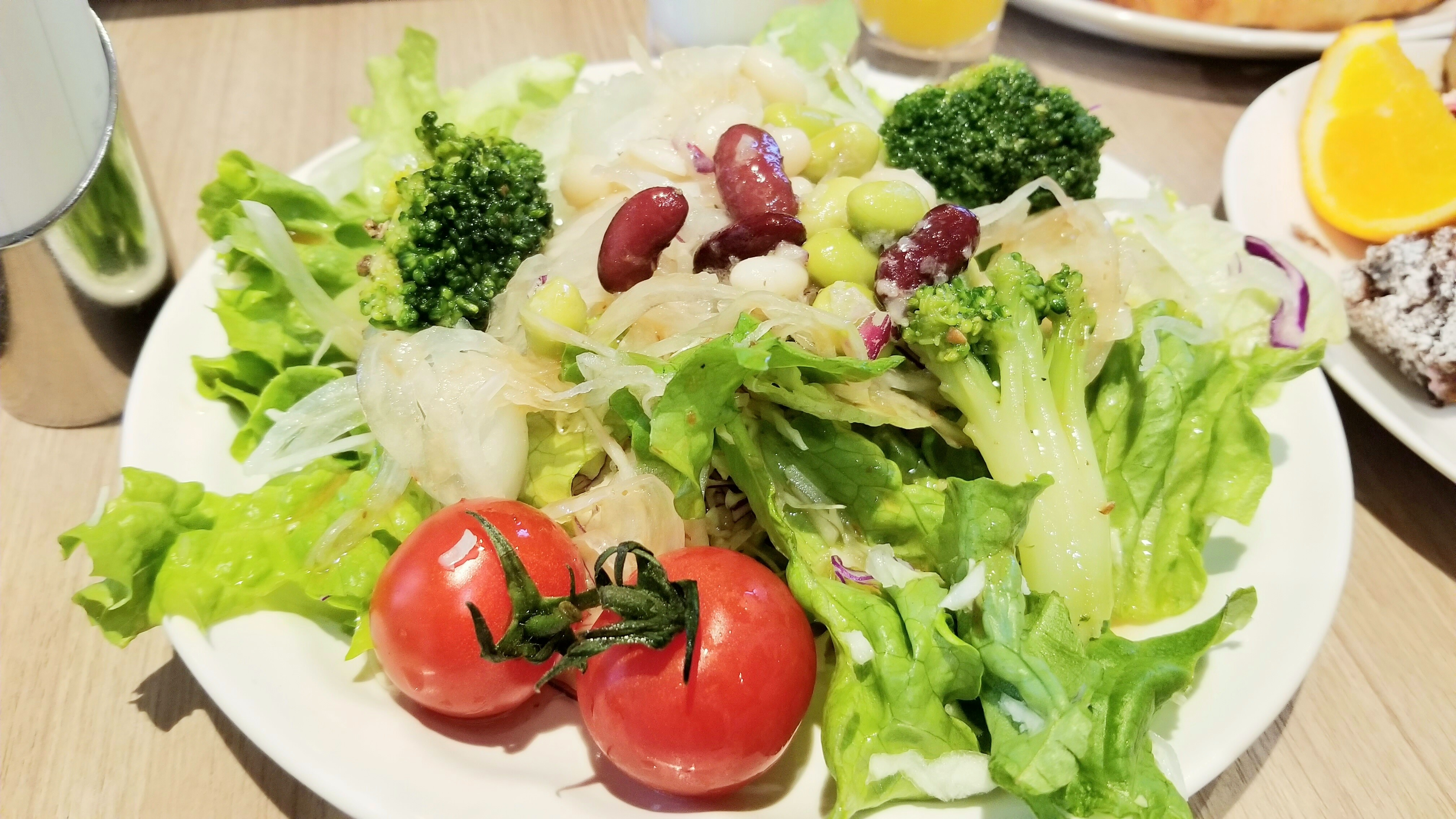ホテルバイキングビュッフェ愛媛松山おすすめ人気おいしい野菜サラダ