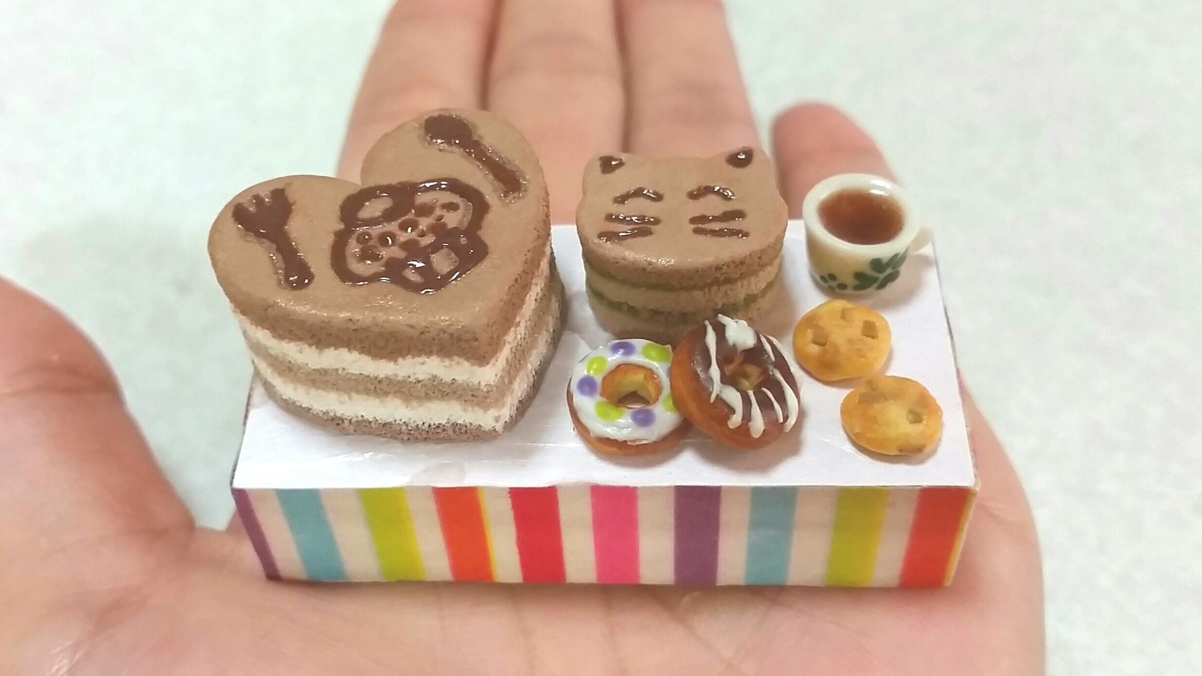 ミニチュア,ココアのケーキ,ドーナツ,樹脂粘土,可愛い,手作りアート