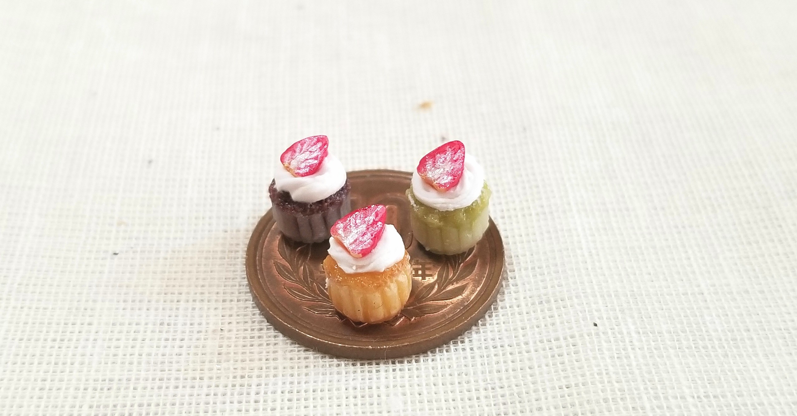 いちご,カップケーキ,樹脂粘土,ミニチュア,食品サンプル,シルバニア