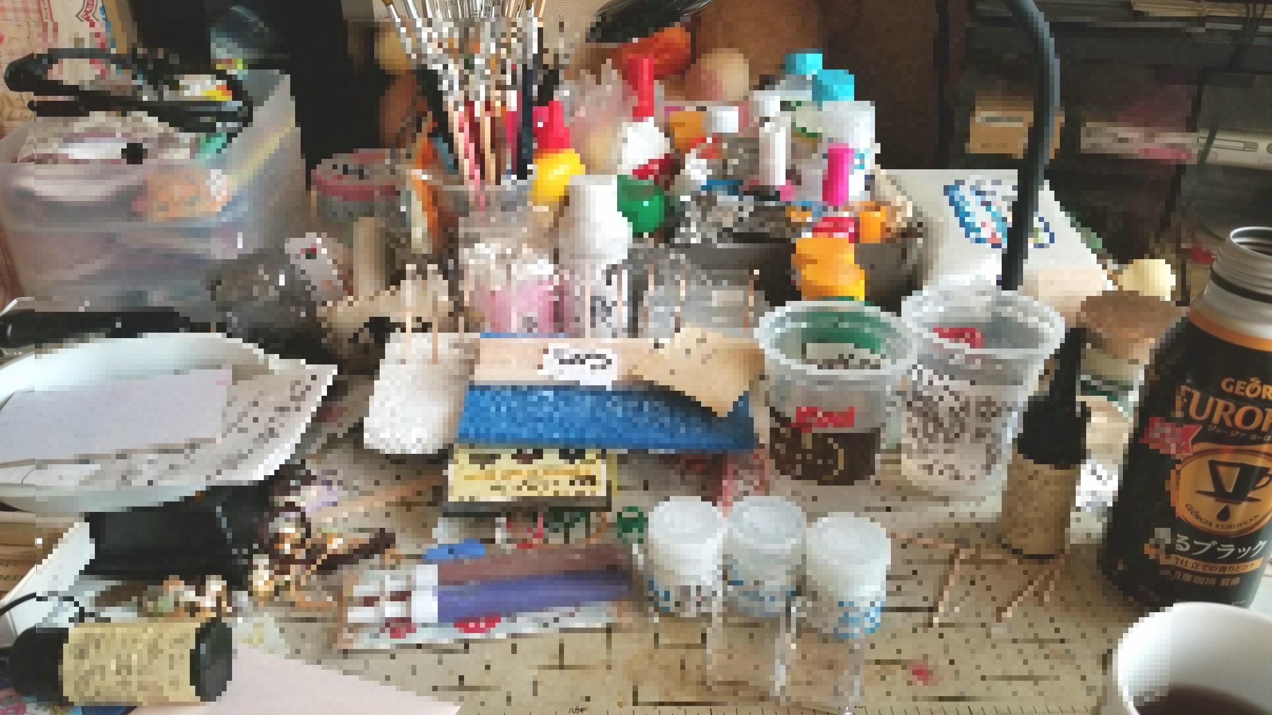 ミニチュアフード,作業台テーブル,ぐちゃぐちゃ,整理収納,線維筋痛症