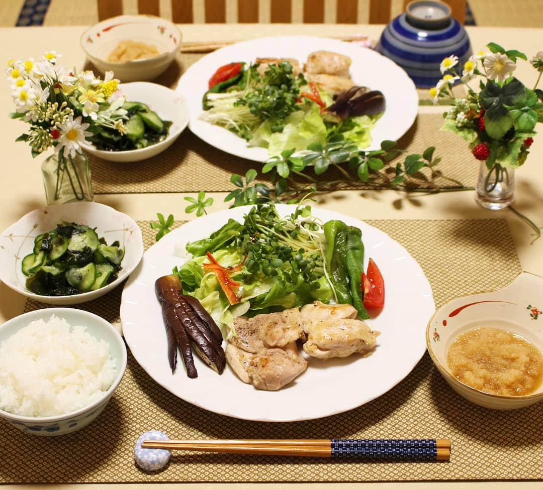 理想的な食卓,チキンソテー,おうちご飯,美味しそう,食べたくなる