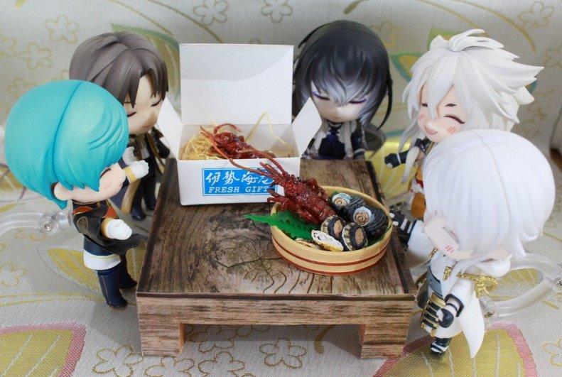 刀剣男士本丸,刀剣乱舞,みんなで伊勢海老・鮑を食べる,,ドール大好き