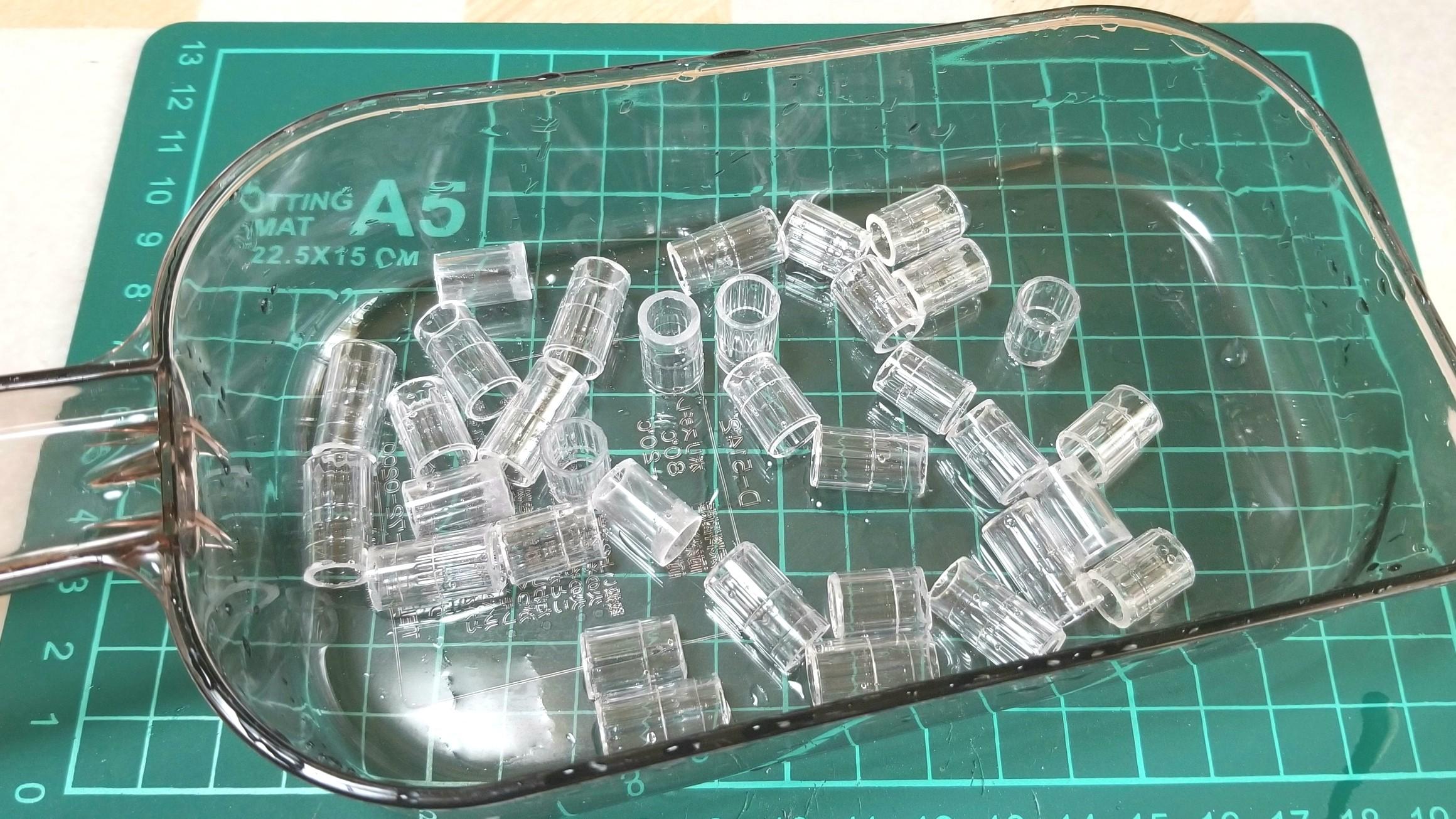 ミニチュア透明グラスの作り方,100均のシュガレットフィルターを活用