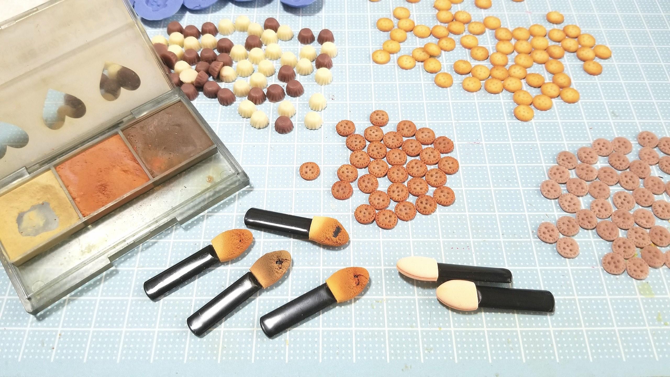ミニチュアフード,樹脂粘土,クッキーサンドアイスクリーム,着色