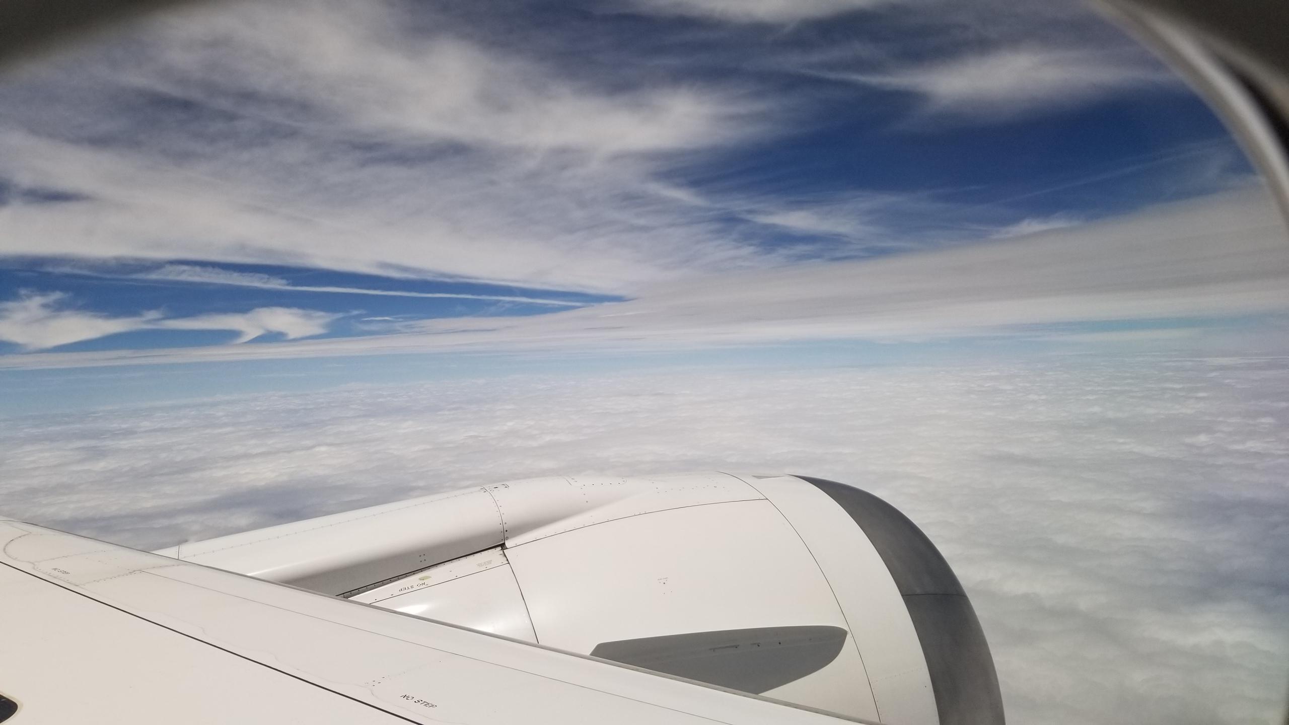 東京イベントへ飛行機で向かう,綺麗な景色,風景,雲,青空,快晴,爽快感