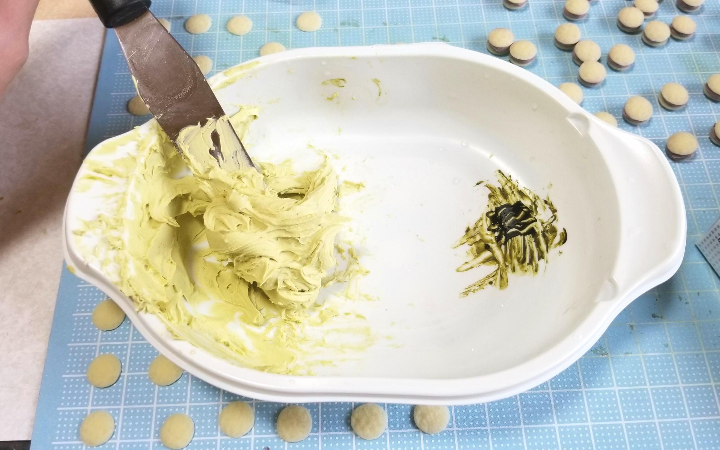 ミニチュアフード,着色,抹茶のクリームどら焼き,ホイップ粘土