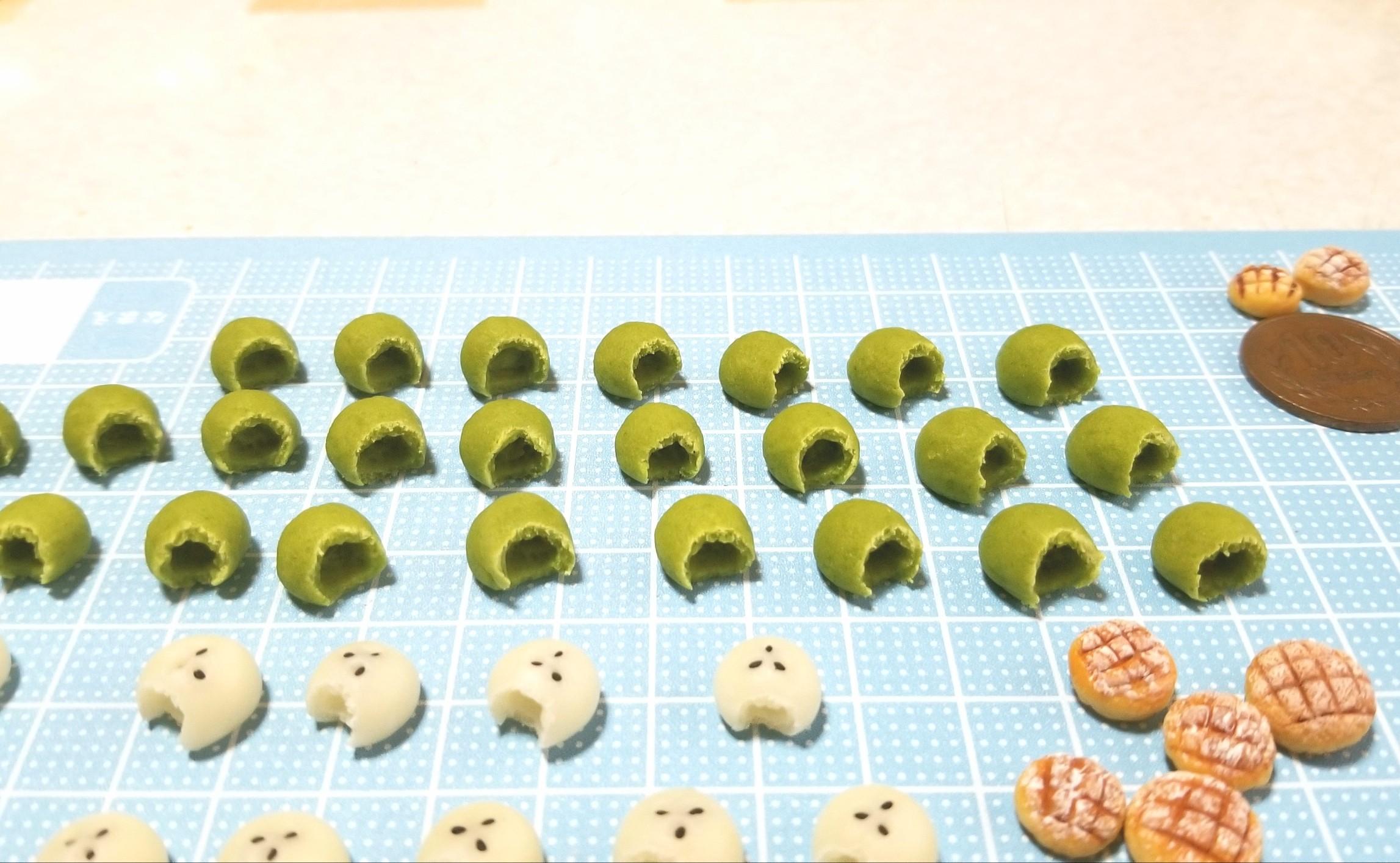 ミニチュアフード,よもぎパン,食べかけ,かじりかけ,作り方,樹脂粘土