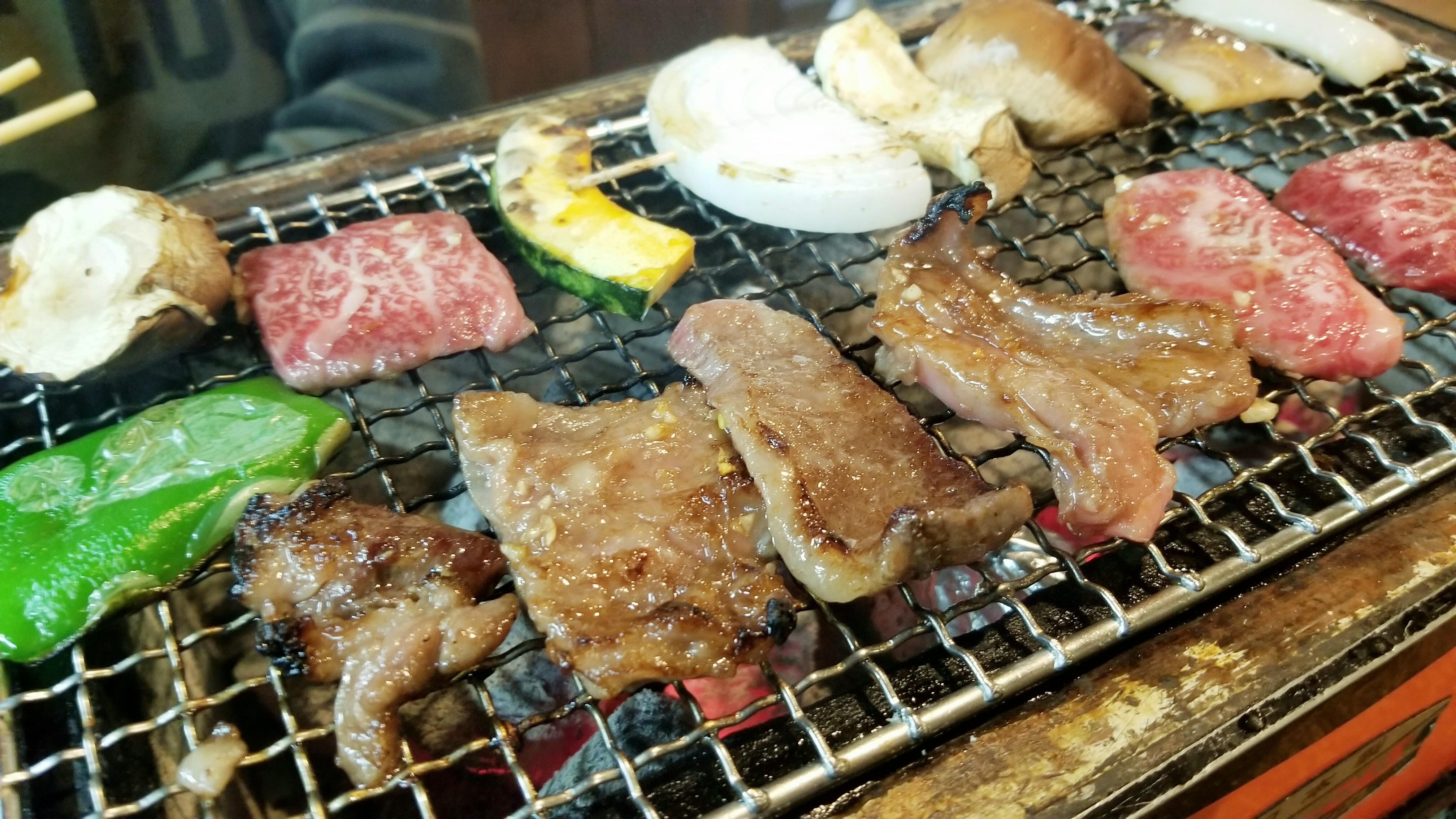焼き肉屋美味しいおすすめコスパ愛媛県松山市人気メニュー牛スジ