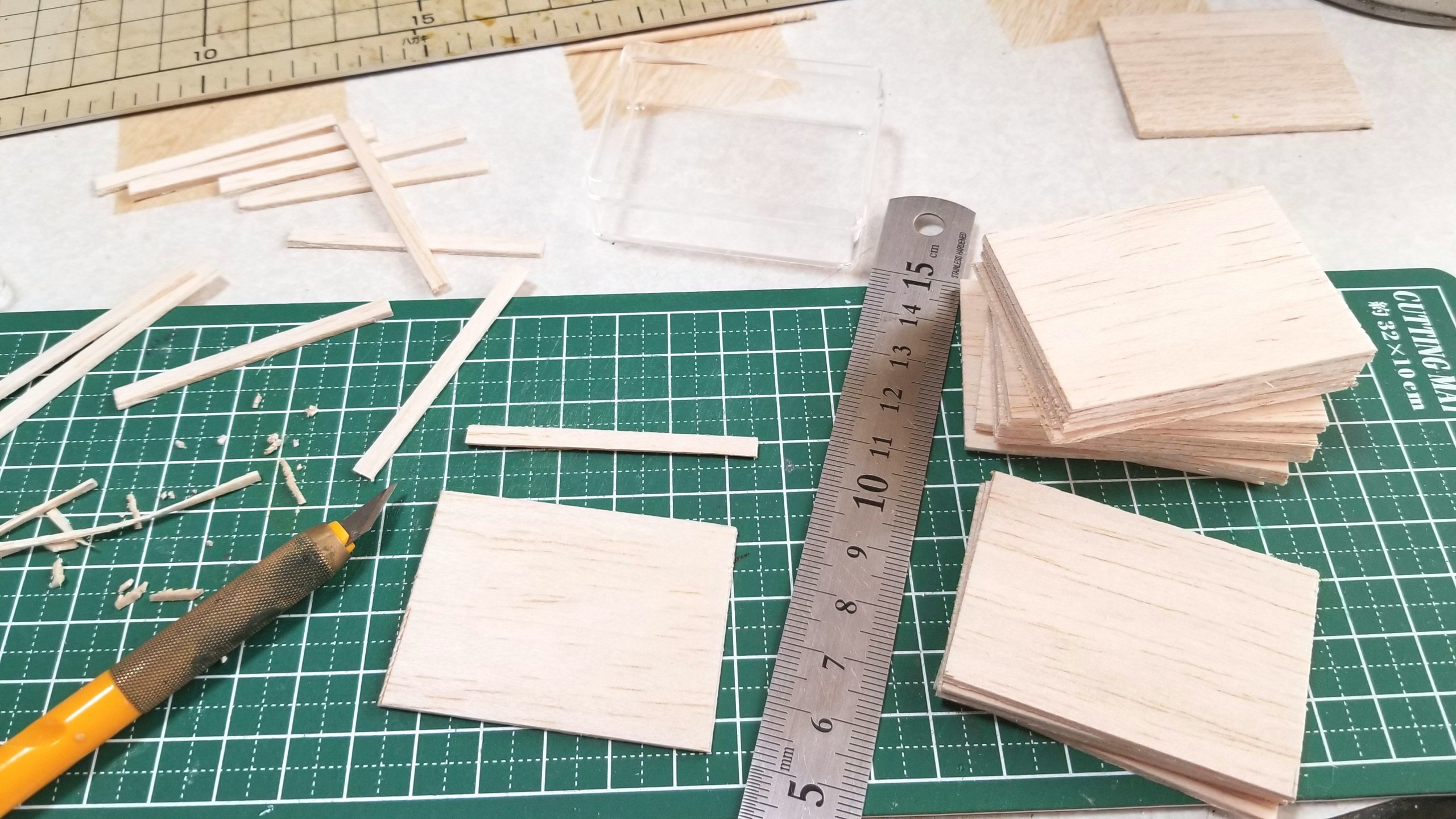 台紙,土台,作り方,ミニチュアフード,千代紙,折り紙,バルサ材