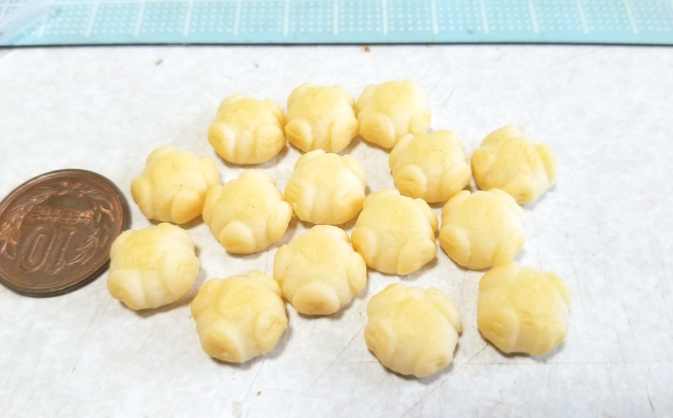 ミニチュアフード, もっちり系カンパーニュ, 着色, 樹脂粘土, 作り方