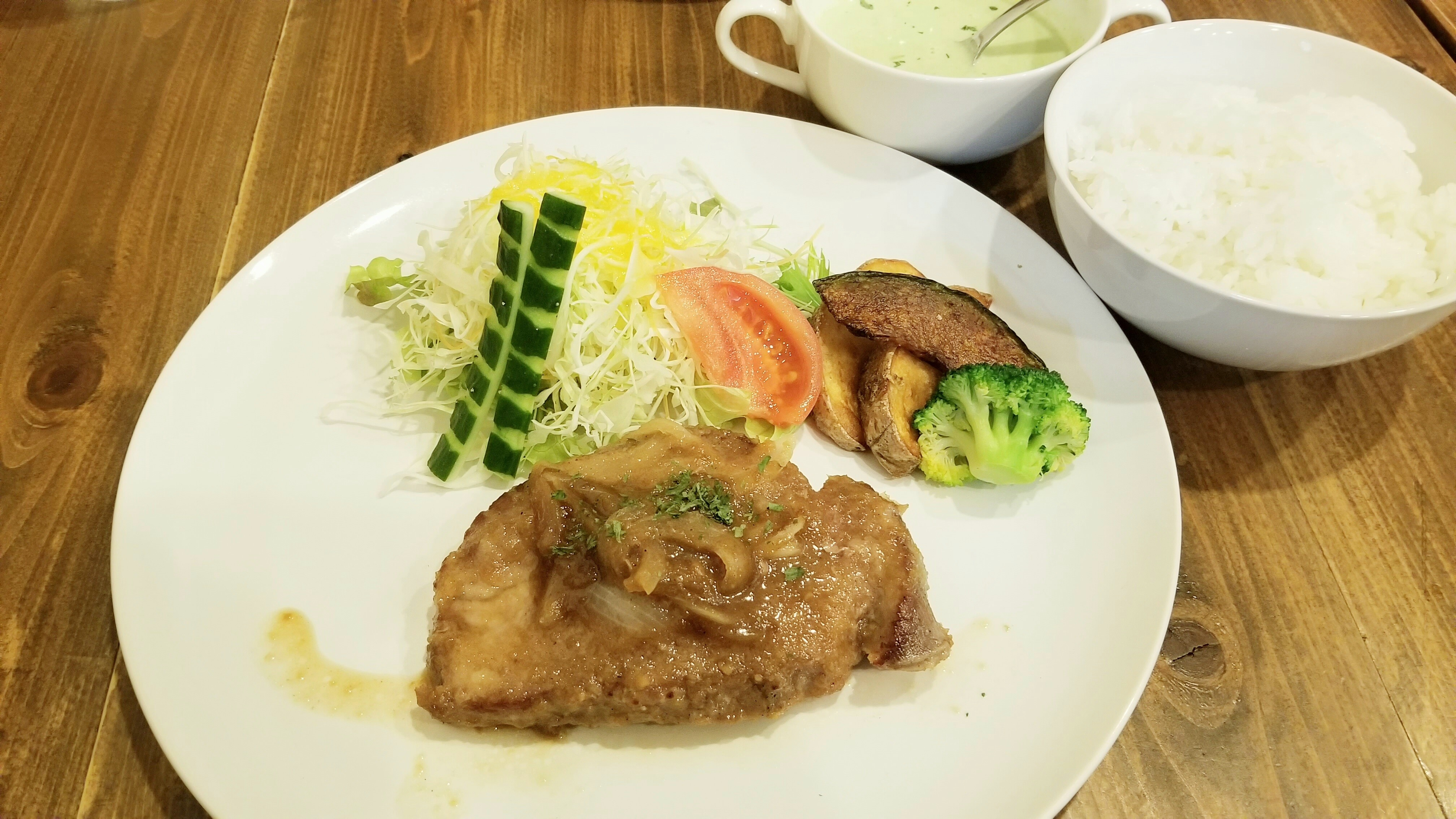 美味しい洋食屋おすすめの店ポークジンジャーステーキ愛媛県ランチ
