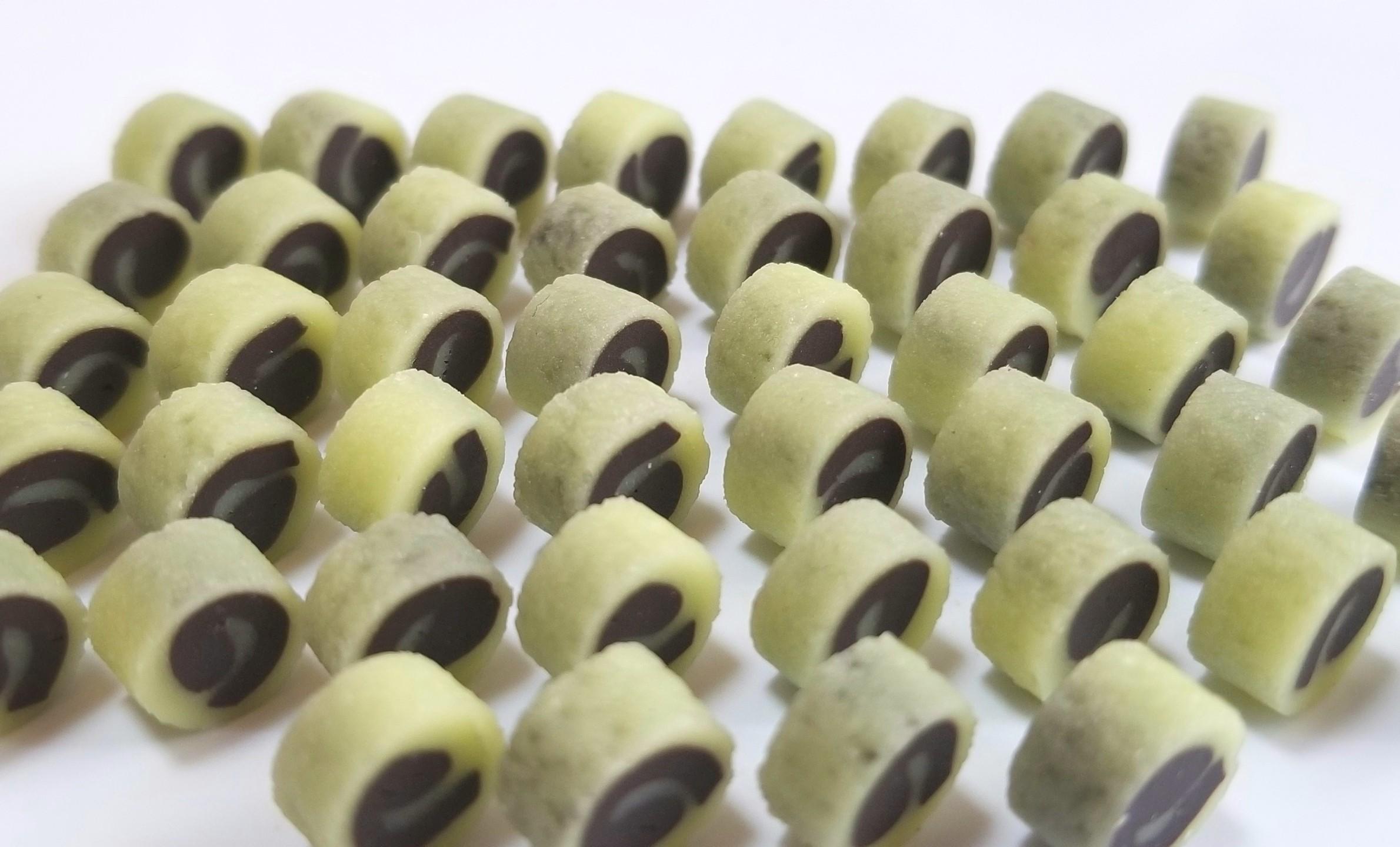 ミニチュア,和菓子,抹茶の餡ロール,樹脂粘土,フェイクフード,オビツ