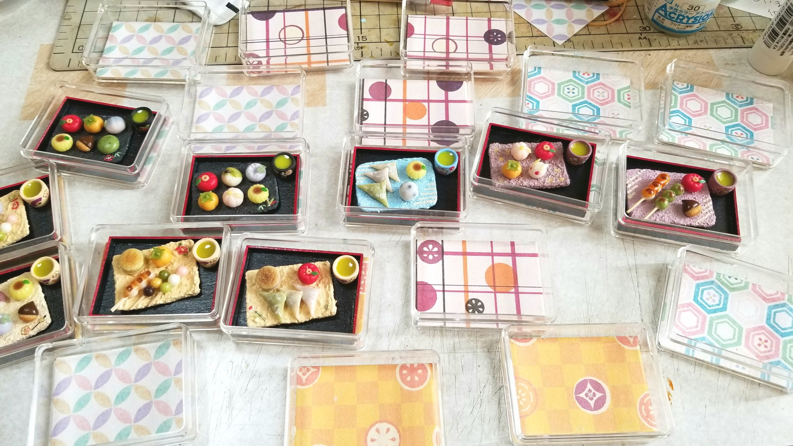 クリアケース,和菓子,土台,作り方,ミニチュア,折り紙,千代紙,手作り