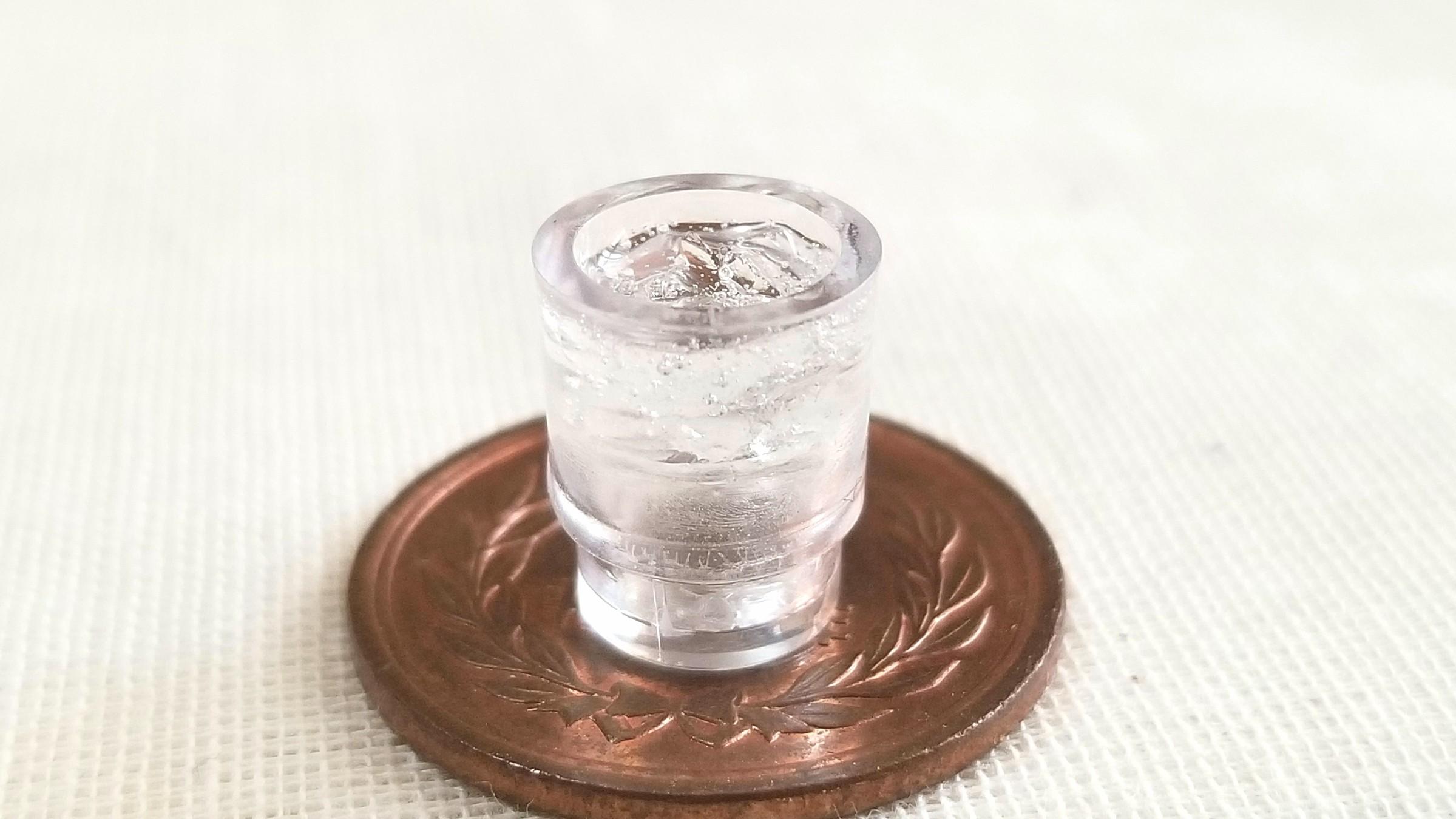 ミニチュアフード,お冷や,冷たい水の作り方,レジン,天然水,湧き水