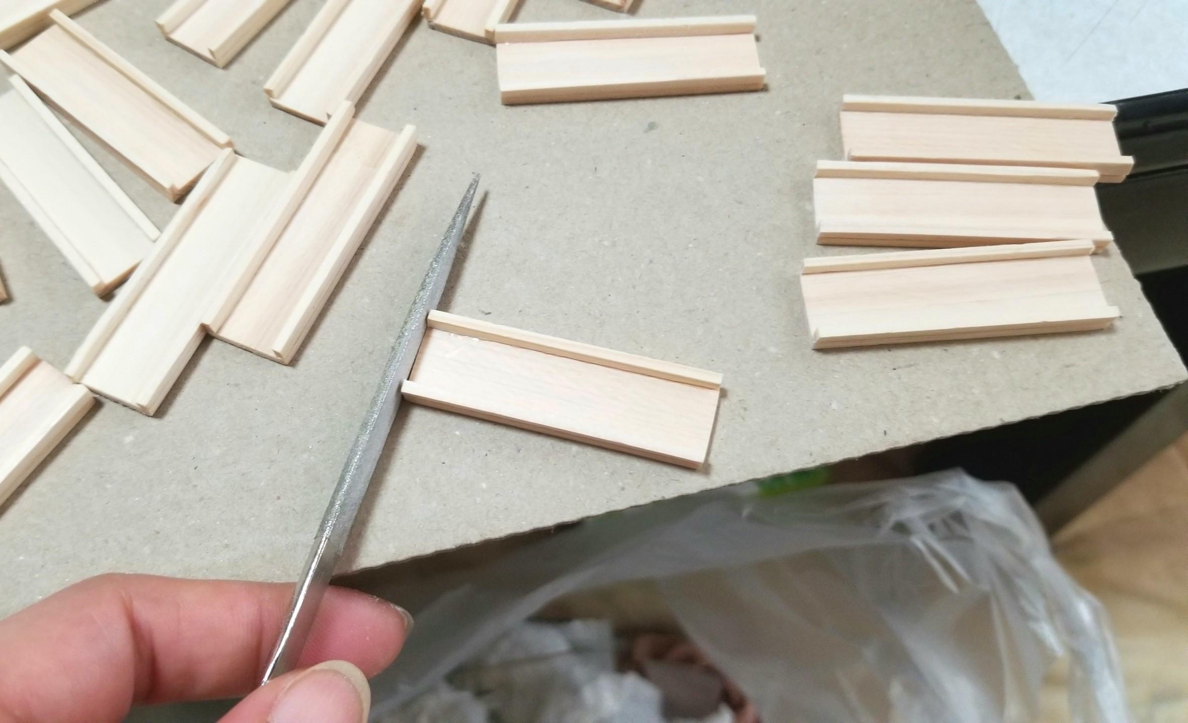 ミニチュア,木工作業,木製トレー,木箱,作り方,ヤスリがけ,ドール