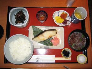 鈴波のお魚の味淋粕漬定食