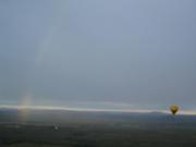 熱気球から虹が見えた!