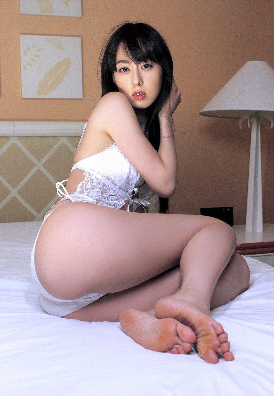 ハイレグ美尻の秋山莉奈ちゃんに見惚れました画像16
