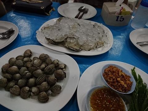 生牡蠣と赤貝