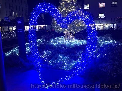 ロータリーに巨大な光のツリー!『イルミネーション IN かしはら』みぃつけた!