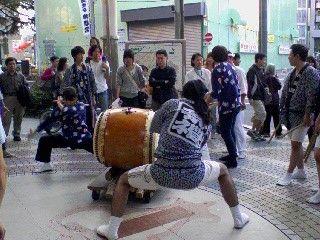 091018_asagaya_ayumi_mikoshi2.jpg