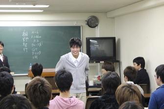 IMG_2355 大学部の岩岡万梨恵さんはインディーカーのダニカパトリックみたいになりた...